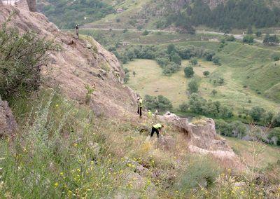 Vardzia, hegymászó közmunkások